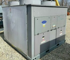 Carrier 60 ton chiller - New and Unused from 2016 5 years old